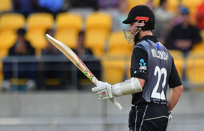 New Zealand beat England by 12 runs in T20 tri-series