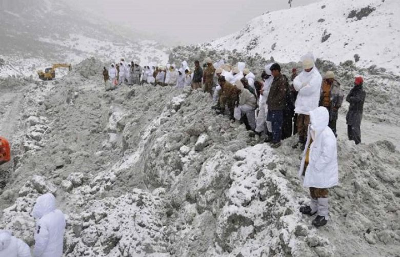Avalanche hits army base in Siachen