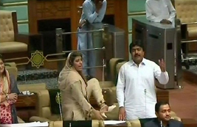 Ruckus in Sindh Assembly as PML-F's Seher Abbasi raises shoe at deputy speaker