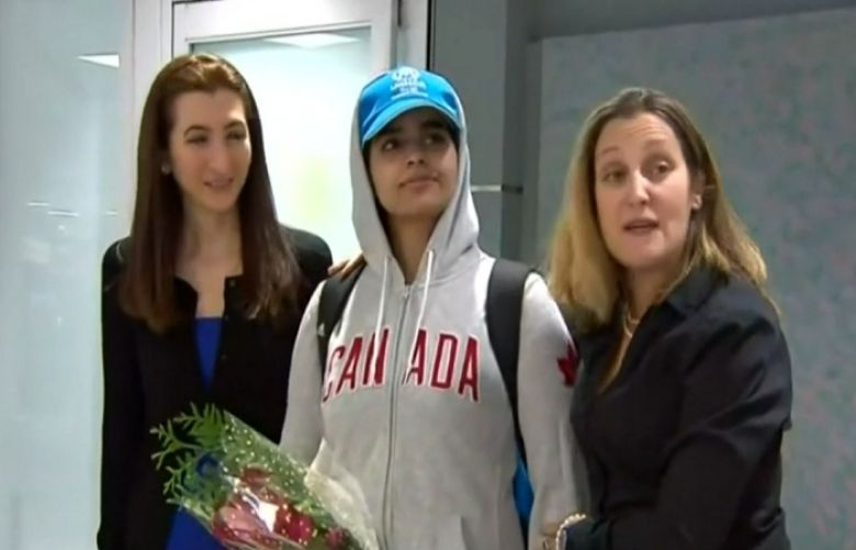 The moment Saudi teen refugee Rahaf Mohammed al-Qunun arrived in Canada