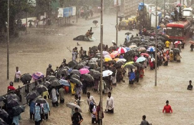 Heavy rain in India trips floods, landslides; at least 125 dead