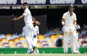 Warner's 151-run knock puts Pakistan in trouble