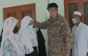 COAS and wife visited family of Shaheed Captain Basit Ali