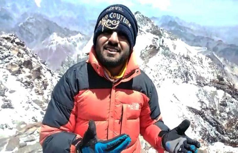 Asad Ali Memon makes it to Africa's highest peak
