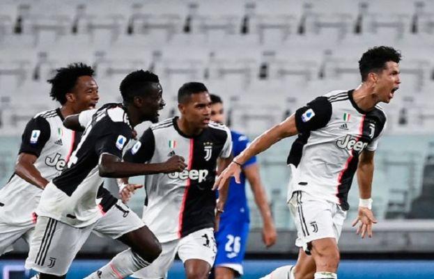 Juventus beat Sampdoria, win 9th consecutive title