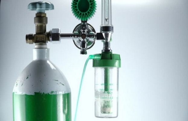 Fix price of oxygen cylinders, SC tells government