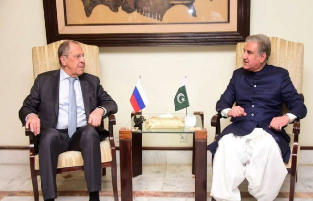 FM Qureshi holds delegation level talks with Russian counterpart