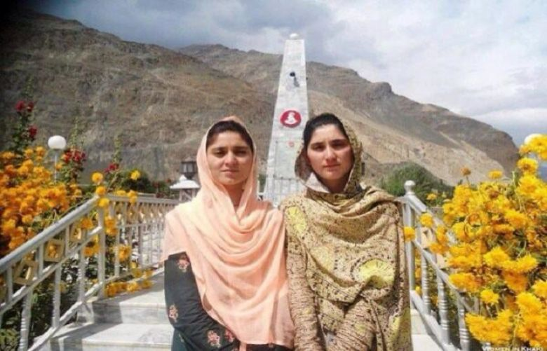 Amina and Rubina, Proud daughters of Havaldar Lalak Jan Shaheed, Nishan e Haider (1999)