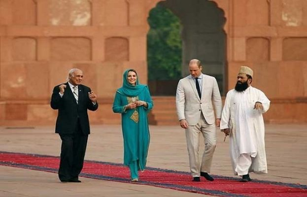 Prince William, Kate Middleton visit iconic Badshahi Mosque in Lahore
