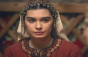 Ertugrul's Gokce Hatun looks ethereal in this real-life picture