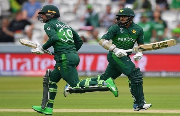 Pakistan beat South Africa off last ball after Babar century