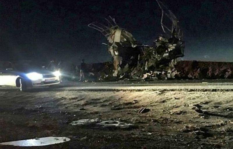 Suicide attack on Iran Revolutionary Guards bus dead 20