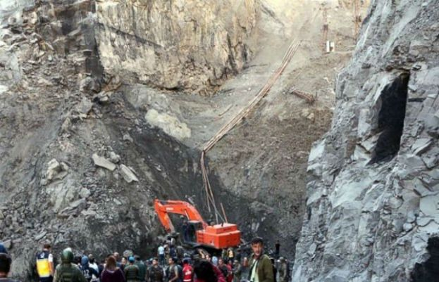 8 workers die as marble mine collapses in Mohmand District