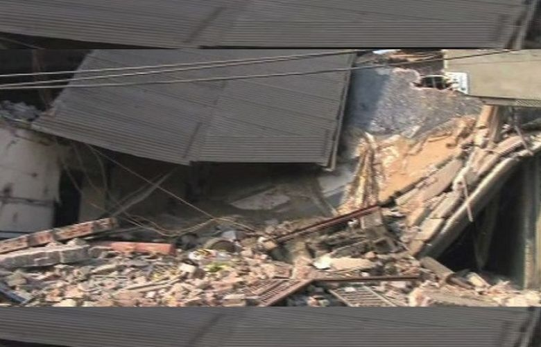 House collapse kills 7 Members Of A Family In Sheikhupua