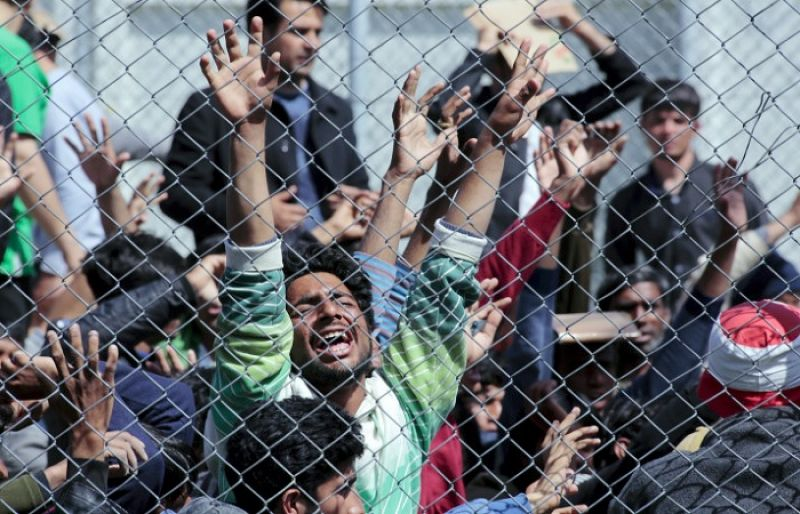 Migrant crisis: Deportations resume from Greece to Turkey
