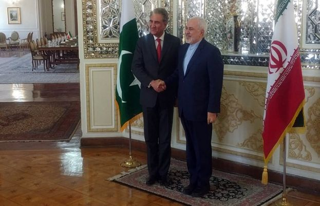 Foreign Minister Shah Mahmood Qureshi and Iranian Foreign Minister Javad Zarif