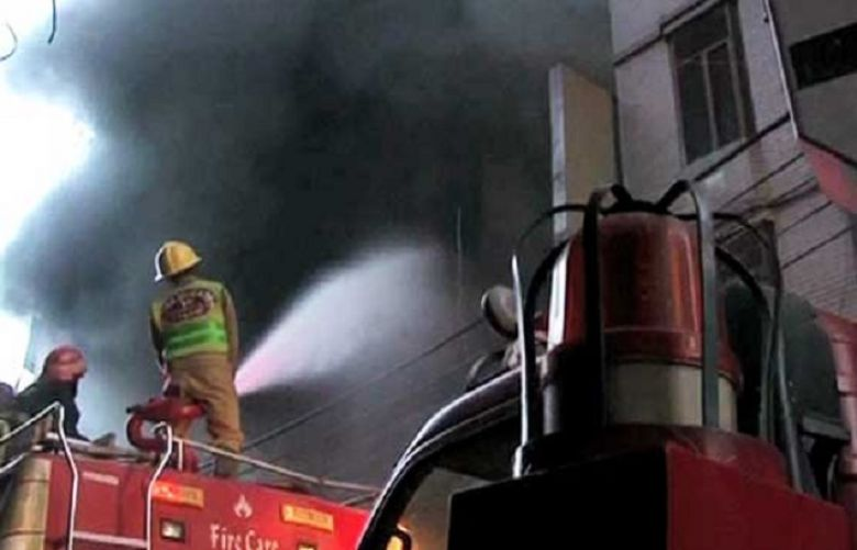 Rescue 1122 prepares initial report over blaze at Lahore's plaza