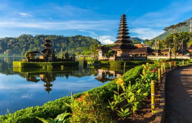 Bali reopens to foreign tourists, but without flights