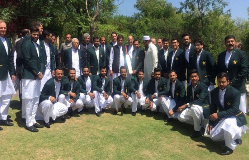 National Cricket Team, PCB officials meet PM Khan - SUCH TV
