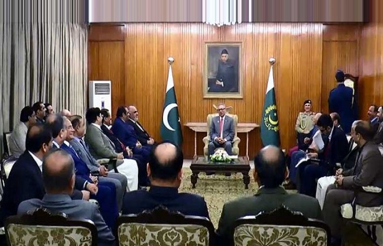 President Alvi urges to work with foreign investors in joint ventures