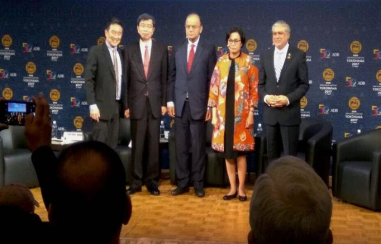 Arun Jaitley, Pakistani minister share cold vibes during global meet in Japan