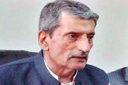 Taliban remove Bilour from hit list