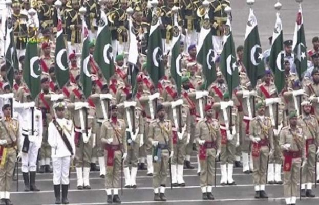 Armed forces display military might at Pakistan Day parade