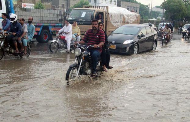 Third monsoon spell, Two die of electrocution in Karachi
