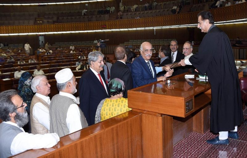 Government tenure ends marking ten years of democracy in ...