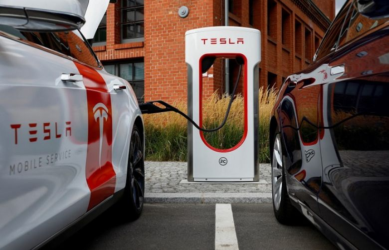 Tesla launches fast electric car charging