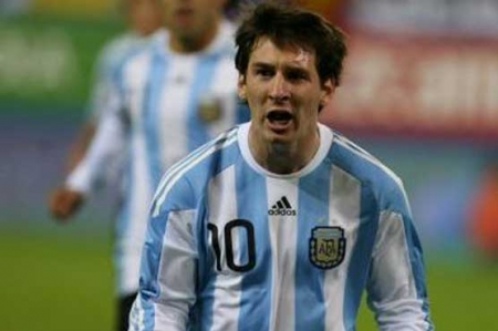 Messi heads Argentina team for qualifiers