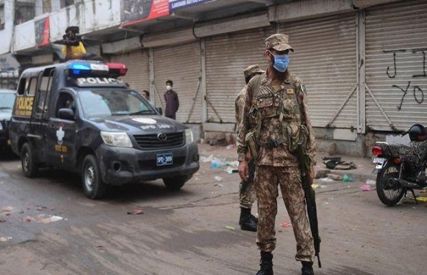 Sindh likely to okay two-week lockdown in Karachi