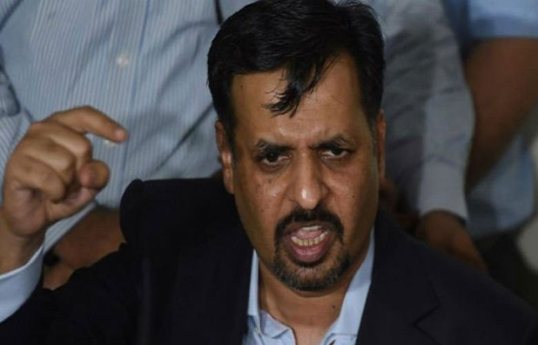 Mustafa Kamal's 'dolphin' fails to swim in Sindh