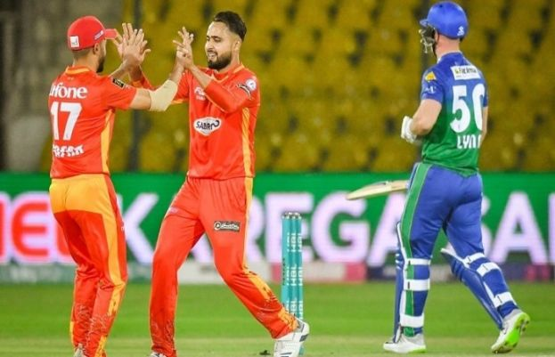 Islamabad United beat Multan Sultans by 3 wickets in PSL clash