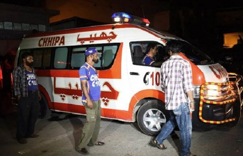 Three of a family die in Karachi road accident in Karachi