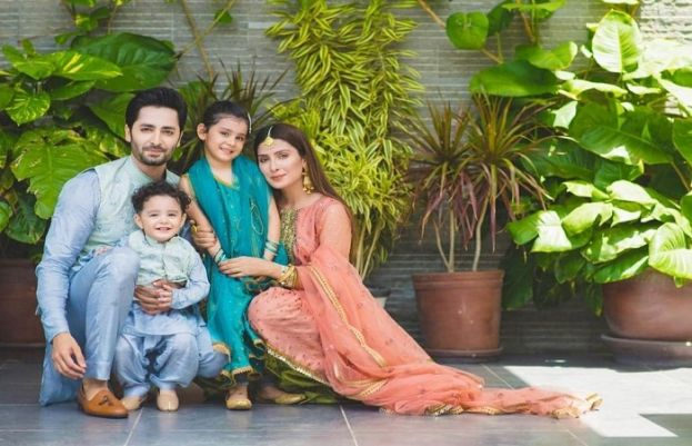 Actress Ayeza Khan with family