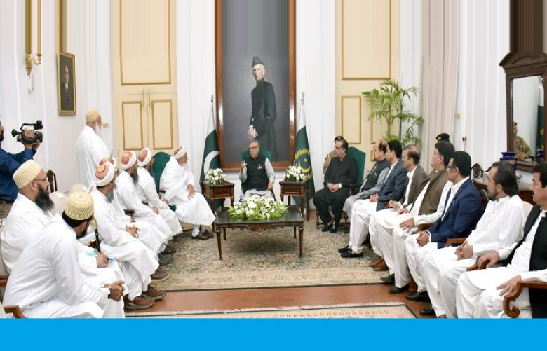 President Alvi appreciates role of Bohra Community in education, culture