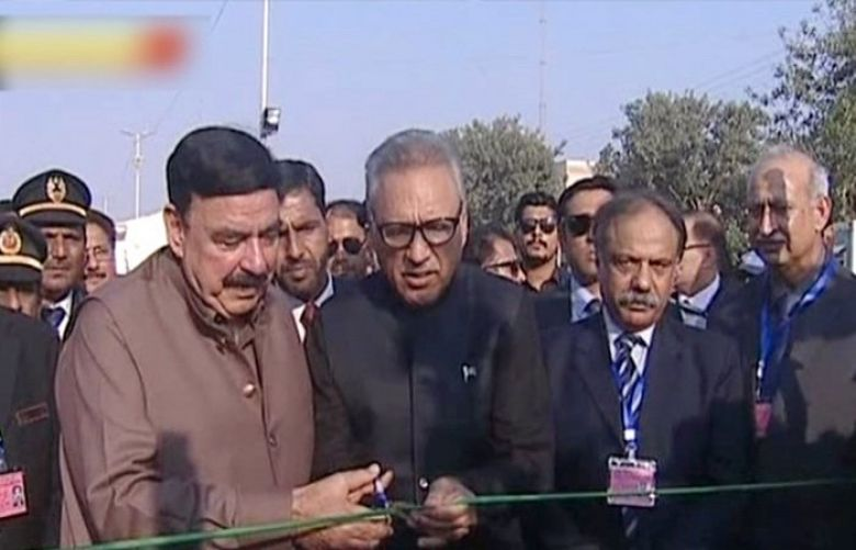 President inaugurates train service in Karachi