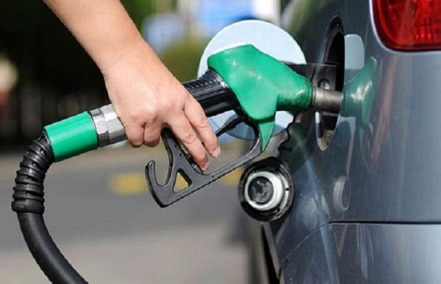 Price of petrol in Pakistan expected to go up, again