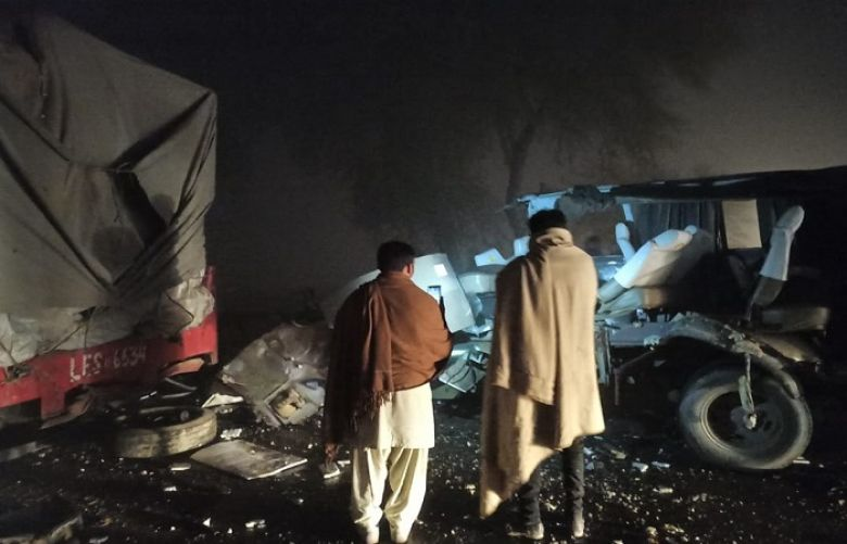 Five killed, others injured in road accident near Hafizabad
