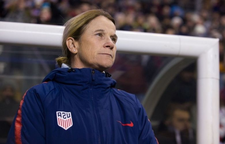 Soccer: U.S. women's head coach Ellis supports players' lawsuit