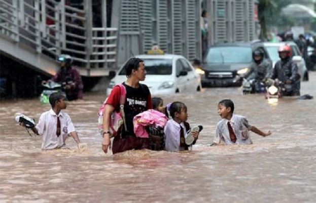 30 died, several missing in Indonesia floods