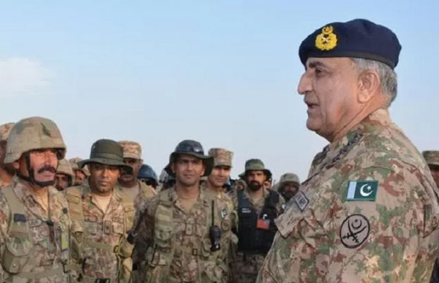 Balochistan Visit: Army Chief Meets Troops, Local residents in Turbat, Gwadar