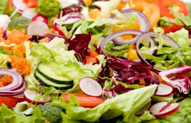 Hundered of people infected by parasite from bagged salad mix