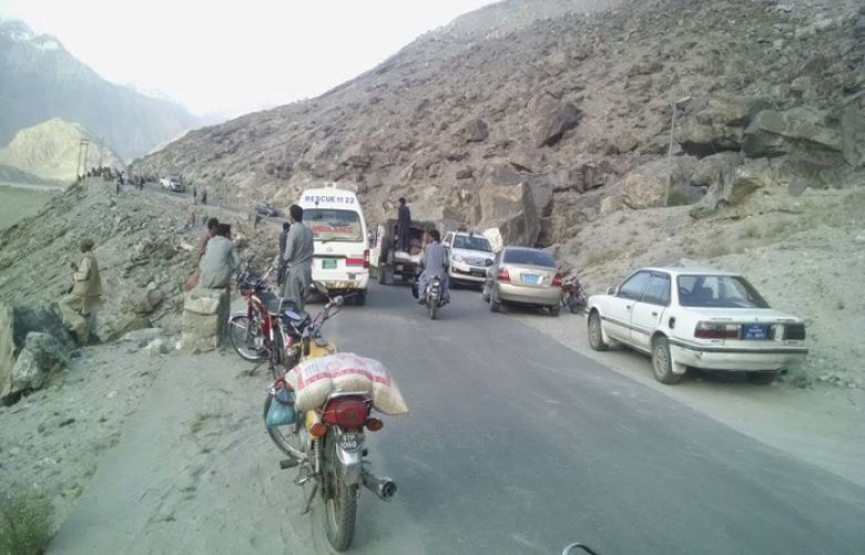 7 die as van plunges into ravine in Gilgit-Baltistan