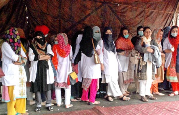 Young doctors end sit-in after LHC order