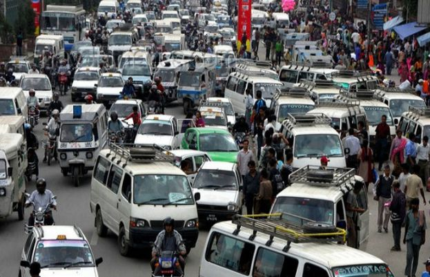 Only vaccinated people can travel by public transport: Sindh Govt