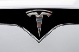 Tesla traders bet on Musk battery pitch to spark rally