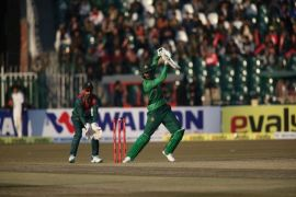 Pakistan beat Bangladesh by 5 wickets courtesy Shoaib Malik's unbeaten 58