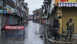 Amnesty International calls for removal of communications blackout in occupied Kashmir